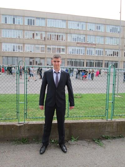 Ивелин Узунов