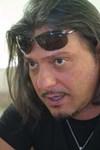 Характерна снимка с очила на главата