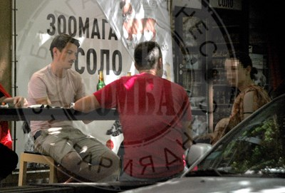 """Пламен Димов от """"Отдел издирване"""" на бира с приятели"""