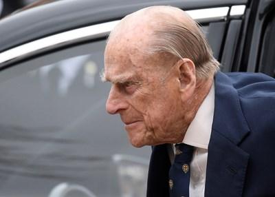 97-годишният принц Филип, съпруг на британската кралица, шофира без предпазен колан два дни след катастрофа СНИМКА: РОЙТЕРС