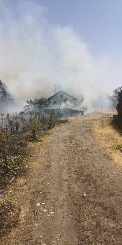 Жителите на селото се молят за къщите си Снимки Али Кючук