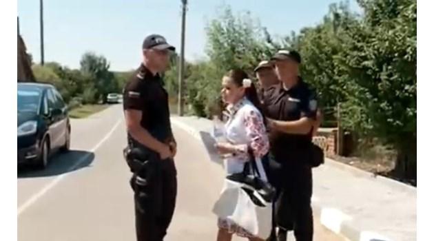 Арестуваха жена, протестираща в Малко Шарково срещу евтаназията на животни (Видео)