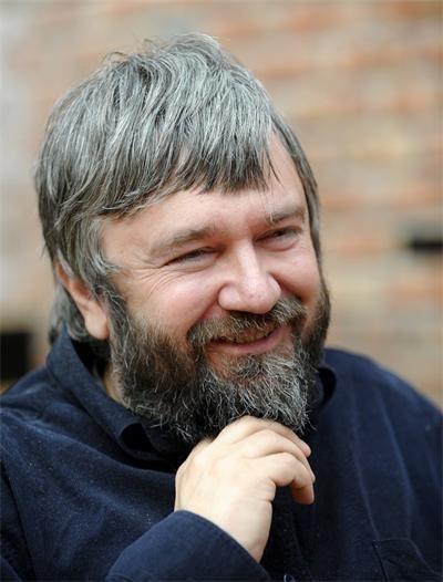 Теди Москов работи с трупата на Русенския театър. СНИМКА: Архив На Трупата