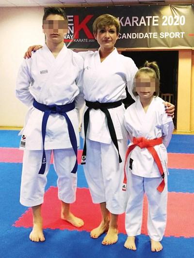 Изчезналата полякиня Александра Фулара била треньорка по карате. На снимката тя е с двете си деца.