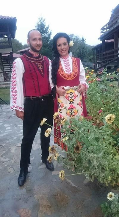 Николай Урумов заедно с фолклорната певица Славка Калчева
