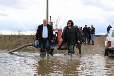 Председателят на НС на БСП Корнелия Нинова посети днес Брегово. Снимка БСП