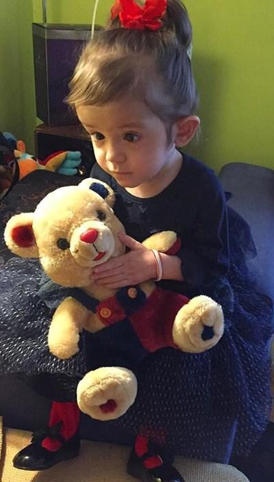 Още търсят диагноза за малката Кая Коцинова СНИМКА: фейсбук