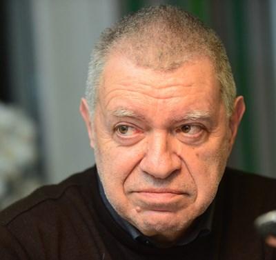 """Проф. Михаил Константинов е изборен експерт, и председател на борда на директорите на """"Информационно обслужване"""" АД, което брои изборите."""