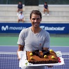 Децата от школата му зарадваха Надал с торта