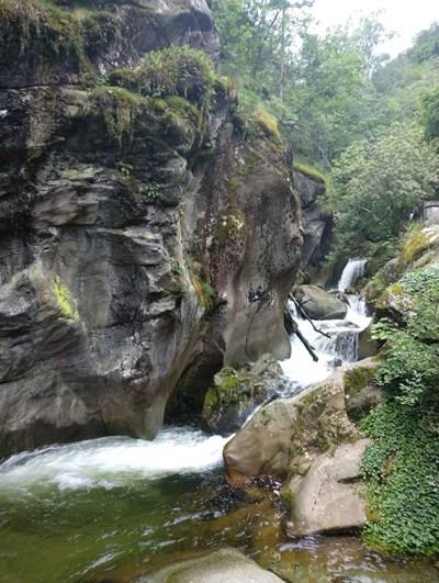 Костенският водопад в Рила е едно от любимите места на Флора Велчева.
