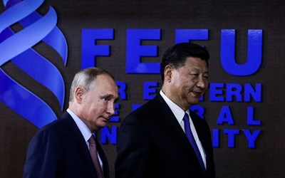 Договорът бе подписан в присъствието на председателя на КНР Си Дзинпин и руския президент Владимир Путин СНИМКА: Ройтерс