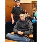 Викторио Александров бе конвоиран от засилена охрана с пранги на ръцете и краката