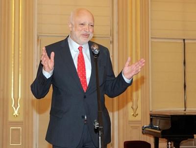 Министърът на културата Велислав Минеков
