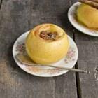 Печени ябълки с мед и сушени плодове