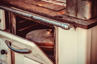 От днес стартира кампанията за подмяна на стари печки на дърва и въглища с нови екологични варианти СНИМКА: Pixabay