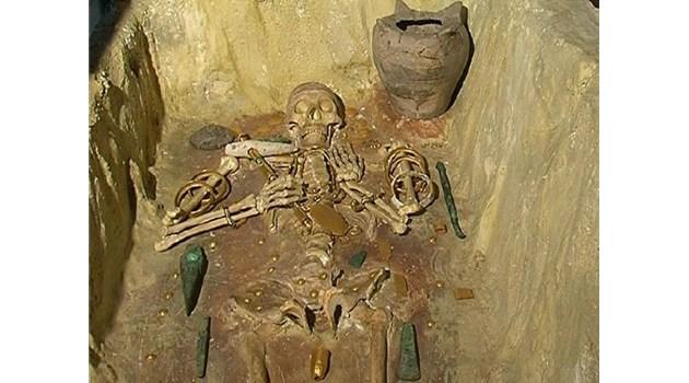 Златният фалос на Озирис намерен край Варна
