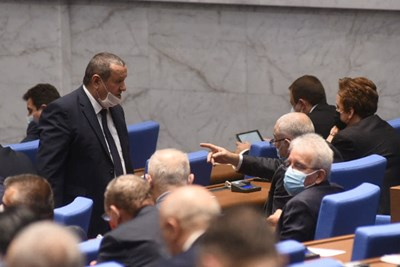 Хасан Адемов критикува КФН, че прави предложенията за промени в Кодекса за социално осигуряване сега, а не в работните групи.  СНИМКА: ВЕЛИСЛАВ НИКОЛОВ