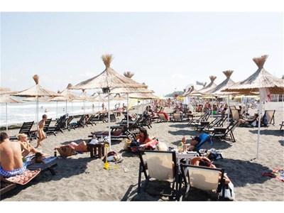 """Бургаският плаж СНИМКА: """"24 ЧАСА"""""""
