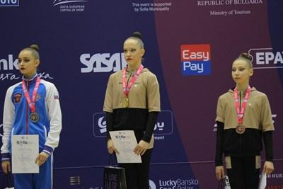 Медалистките в многобоя при жените - Арина Романова, Татяна Воложанина и Лъчезара Пекова Снимки: Румяна Тонева