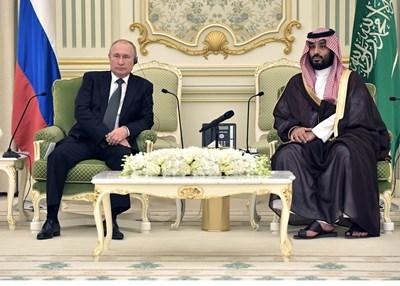Владимир Путин и Мохамед бин Салман СНИМКА: РОЙТЕРС