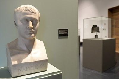 Бюст на Наполеон СНИМКА: Ройтерс