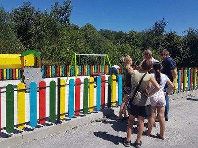 Нова детска площадка в Дупница.