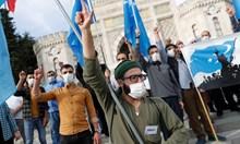 Мюсюлмани зоват за бойкот на френски стоки (Обзор)