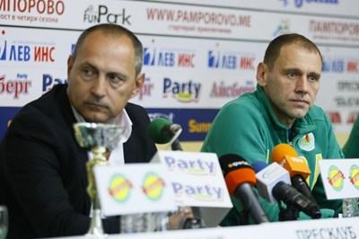 """Шефът на """"Добруджа 07"""" Галин Господинов (вляво) се надява да привлече още спонсори. СНИМКА: Lap.bg"""