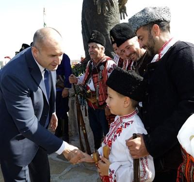 Президентът Румен Радев бе на Бакъджика за честванията на Независимостта.