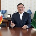 Сейед Мохаммад Джавад Расули е роден на 23 ноември 1959 г. Магистър по Международни право. Започва работа в Министерството на външните работи на Иран през 1985 г. Работил е иранските мисии в Катар и Филипините, бил е генерален консул в Мюнхен и Хамбург. Първият му мандат като посланик е в Саудитска Арабия (2010 – 2014). От 2018 г. е посланик на Иран у нас.
