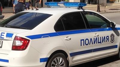 Спипаха вандали, нарязал гумите на 6 коли във Велико Търново