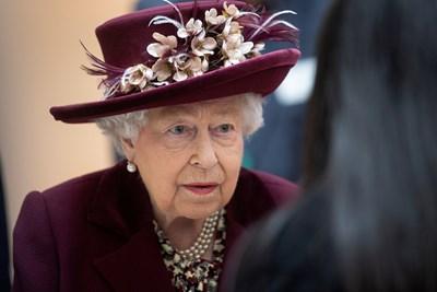 """Принц Уилям поема задълженията на монарх, докато Елизабет II е в """"Уиндзор"""""""