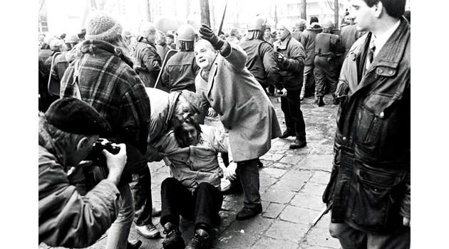 Министри на Виденов: Цената на хляба - абсурдна, не можем да спрем тълпата