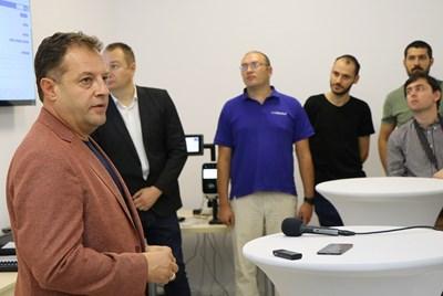 Даниел Панов на представянето на лабораторията за симулации и изпитвания за интелигентно градско планиране