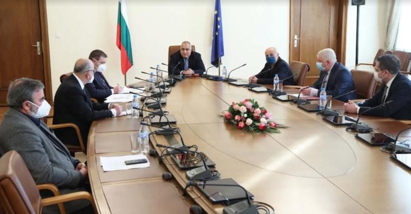Представиха пред премиера Борисов националния план за ваксиниране срещу COVID-19 СНИМКИ: Правителствена информационна служба