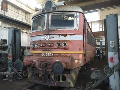 Така е изглеждал локомотивът преди ремонта.