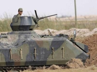 Турски военен конвой, който включва танкове, е изпратен на границата със Сирия в южната провинция Хатай СНИМКА: Ройтерс