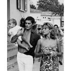 Ален и Натали Делон със сина си Антъни, 1965 г. Снимка: Личен архив/ Фейсбук