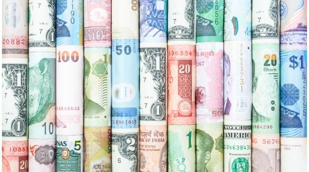 И трите валути - Русия, Китай и Турция падат, но най-уязвима е южната ни съседка