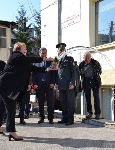 Започна саниране на първата сграда на пожарна у нас в Благоевград.
