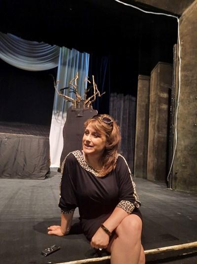 Златина Славева е директор на театъра в Силистра.