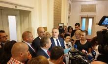"""След обвинението, че Симеонов има пръст в спирането на """"Алфа"""", НФСБ отвръща на удара - иска му оставката на Сидеров като шеф на групата"""