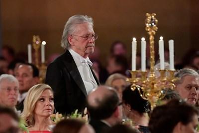 Петер Хандке на приема на нобеловите лауреати  в Стокхолм СНИМКА: РОЙТЕРС
