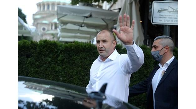 Радев се отказа от партия, ще играе за втори мандат