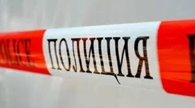 Трима се сбиха до училище в Пирдоп, единият стреля с пистолет