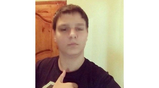 Синът на бившия полицай, прегазил 3 деца на тротоар в Петрич, остава в ареста