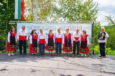 """Над 350 самодейци взеха участие в 12-то издание на фестивала """"Типченица пее"""""""