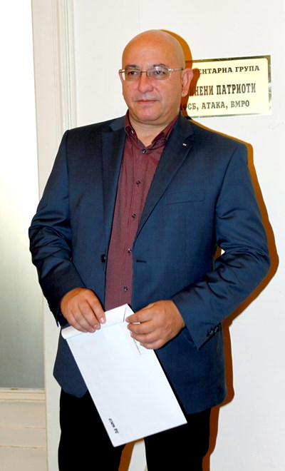 Емил Димитров: Не мога аз да искам оставката на Красимир Живков
