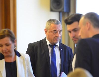 Валери Симеонов на заседанието на Министерския съвет днес Снимки: Йордан Симеонов
