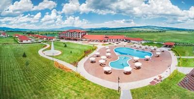 С пускането и на  хотела комплексът  в Белчин вече  може да приема три  пъти повече гости.
